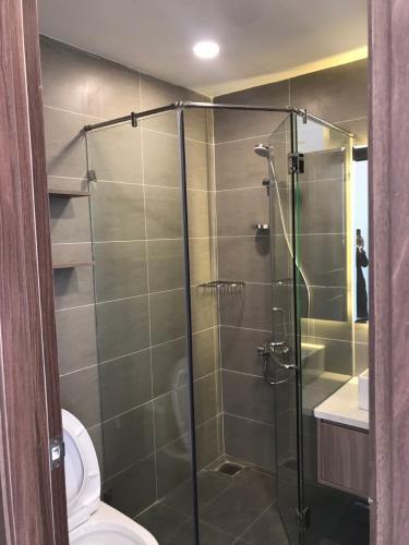 Phòng tắm căn hộ Sunrise City View Căn hộ Sunrise Cityview tháp B nội thất đầy đủ hiện đại, ban công lớn.