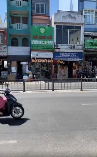 Mặt bằng kinh doanh Bạch Đằng, Bình Thạnh Mặt bằng kinh doanh gần chợ Bà Chiều, diện tích 32m2.