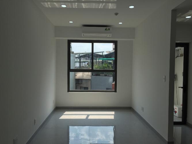 Căn hộ Officetel Kingston Residence nội thất cơ bản, thoáng mát.