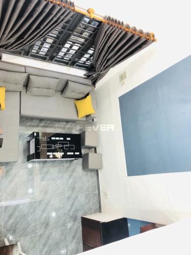 Phòng khách nhà phố Quận Gò Vấp Nhà phố Q.Gò Vấp hướng Nam diện tích sử dụng 131m2, sổ hồng riêng.