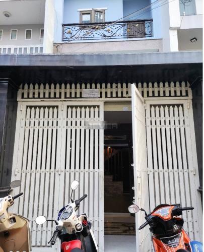 Nhà phố mặt tiền đường Trịnh Lôi diện tích 60m2, cách chợ Tân Hương 200m.