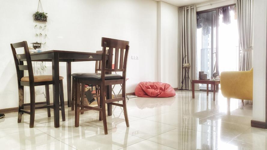 Căn hộ Hado Centrosa Garden ban công hướng Nam, nội thất đầy đủ.