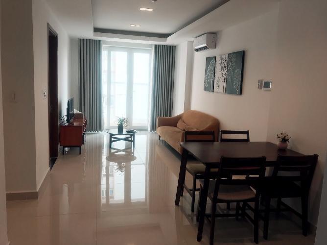 Căn hộ tầng 6 Sky Center đầy đủ nội thất, view hồ bơi thoáng mát.