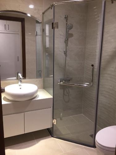 Phòng tắm căn hộ Vinhomes Central Park , Quận Bình Thạnh  Căn hộ Vinhomes Central Park cửa hướng Đông Nam, đầy đủ nội thất.
