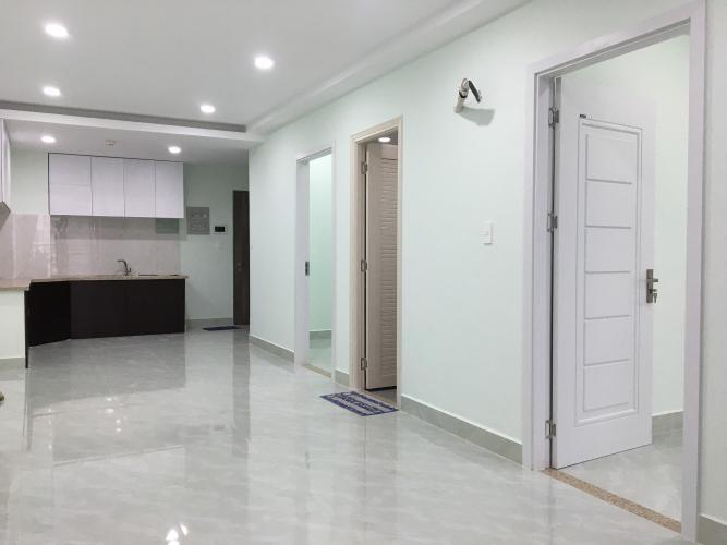 Căn hộ Saigon South Residence ban công hướng Nam, nội thất cơ bản.