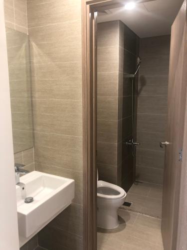 Phòng Tắm Vinhomes Grand Park Căn hộ Vinhomes Grand Park tầng trung cùng nội thất cơ bản.