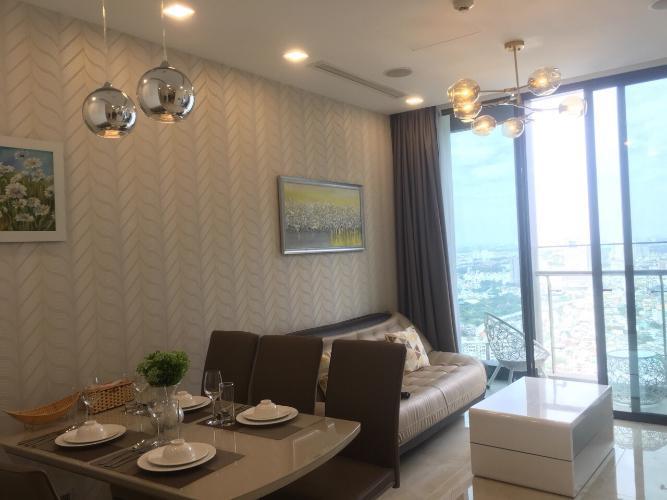 Căn hộ Vinhomes Golden River tầng cao, đầy đủ nội thất.