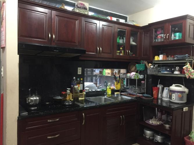 Phòng bếp nhà phố Nhà phố Quận 3 cửa chính hướng Đông, diện tích sử dụng 105m2.