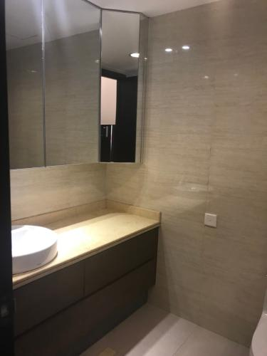 Phòng tắm Saigon Pearl Quận Bình Thạnh Căn hộ Saigon Pearl nội thất cơ bản, view thành phố.