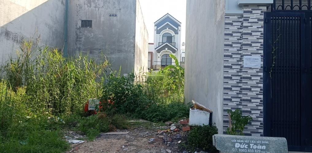 Đất nền trong khu dân cư đông đúc gần chợ Long Trường, diện tích 50.4m2.