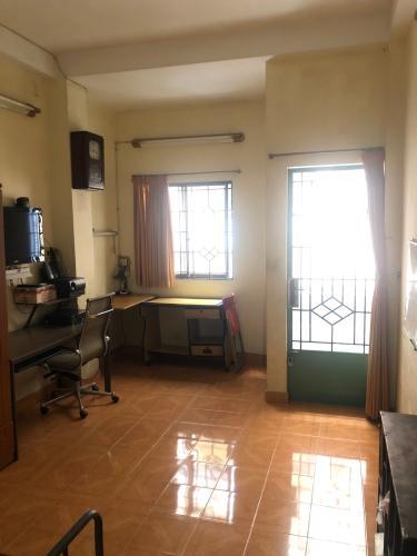 Phòng nhà phố Nguyễn Kim, Quận 10 Nhà phố hẻm Nguyễn Kim nội thất cơ bản, sổ hồng riêng.