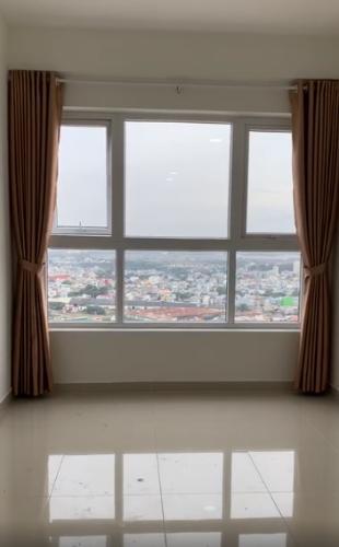 Căn hộ Saigon Gateway ban công Đông Nam, view thành phố.