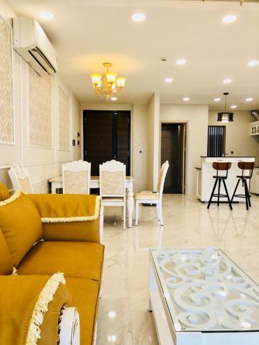 Căn hộ Phú Mỹ Hưng Midtown đầy đủ nội thất, view thoáng mát.
