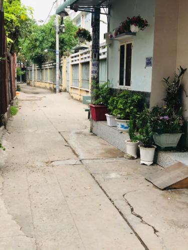Đường hẻm nhà phố Nguyễn Duy Cung, Gò Vấp Nhà phố hướng Bắc, hẻm trước nhà thông thoáng 1 trục 4m.