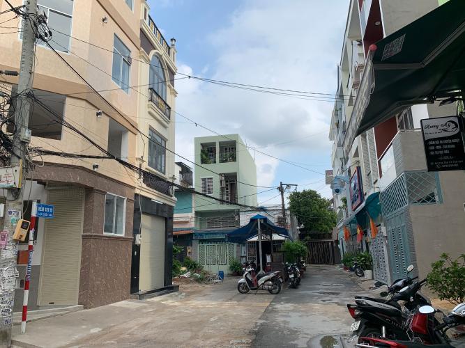 Đường hẻm nhà phố Quận Tân Phú Nhà phố Q.Tân Phú hướng Tây diện tích sử dụng 172.8m2, đầy đủ nội thất.