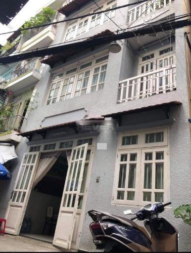 Nhà phố đường Hoàng Văn Thụ diện tích 51m2, không có nội thất.