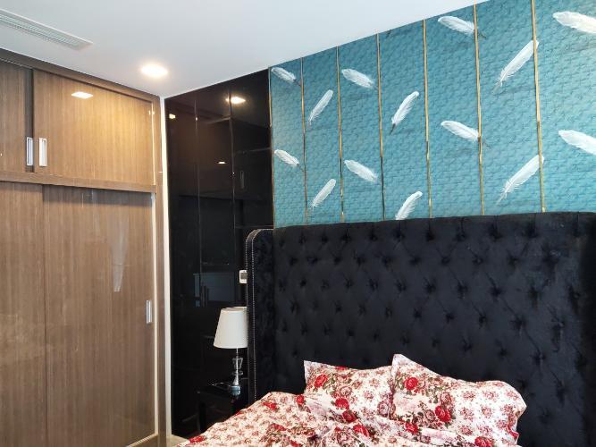 phòng ngủ Vinhomes Golden River Căn hộ 1 phòng ngủ Vinhomes Golden River đầy đủ nội thất, tầng trung