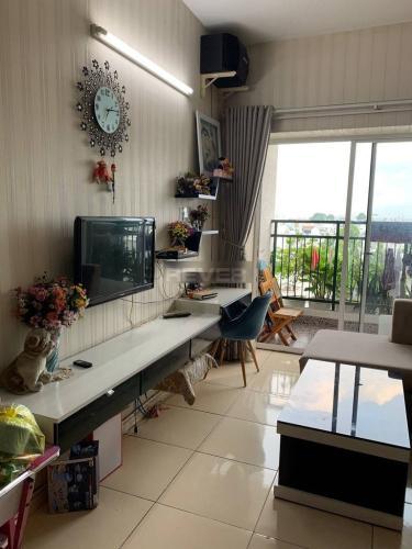Căn hộ Khang Gia Tân Hương tầng 5 thoáng mát, nội thất cơ bản.