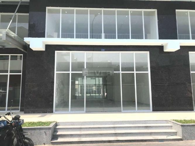 Căn hộ tầng trệt chung cư 35 Hồ Học Lãm hướng Đông Bắc.