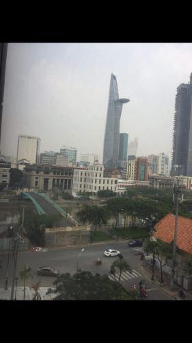 View căn hộ SaiGon Royal , quận 4 Căn hộ Saigon Royal tầng thấp hướng cửa Đông Nam, view nội khu