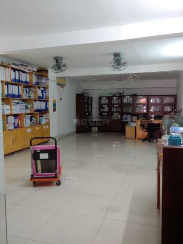 Không gian bên trong văn phòng Văn phòng Quận 7 mặt tiền đường thuận tiện kinh doanh.