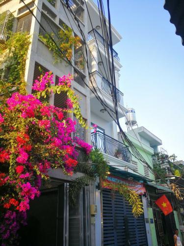 Mặt tiền nhà phố Huỳnh Tấn Phát, Quận 7 Nhà phố hướng Nam, 2 mặt tiền hẻm xe hơi rộng rãi, an ninh.
