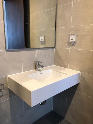Phòng tắm One Verandah Quận 2 Căn hộ One Verandah tầng trung, nội thất hoàn thiện.