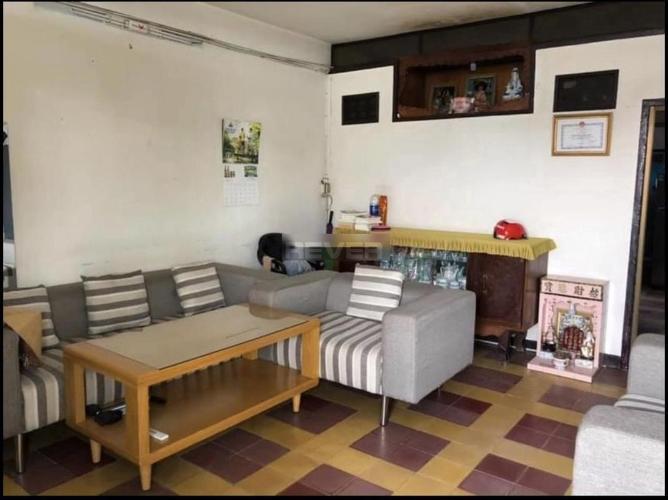 Căn hộ Chung cư Tân Quy tầng 1 ban công hướng Đông, nội thất cơ bản.