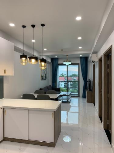 Căn hộ Saigon South Residence ban công hướng Tây, nội thất tiện nghi.