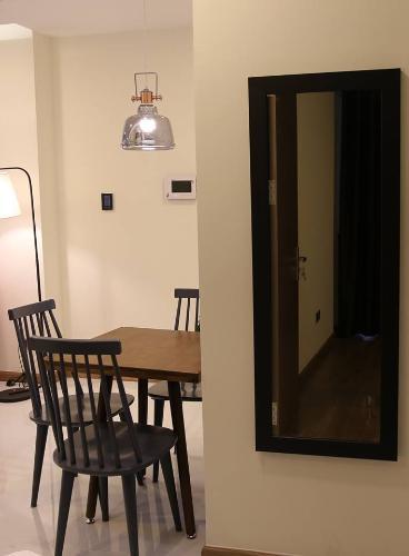 Căn hộ Vinhomes Central Park, Quận Bình Thạnh Căn hộ 2 phòng ngủ Vinhomes Central Park tầng 41, đầy đủ nội thất.
