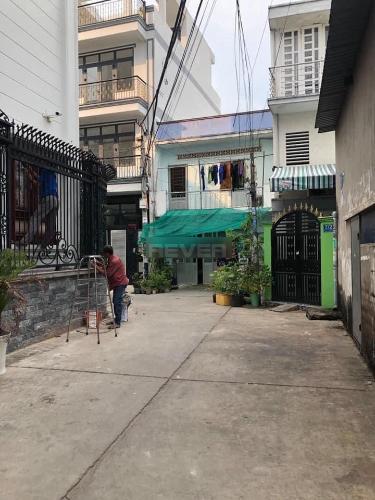 Đường hẻm nhà phố Quận Bình Tân Nhà phố Q.Bình Tân hướng Nam 1 trệt 3 lầu diện tích sử dụng 240m2.