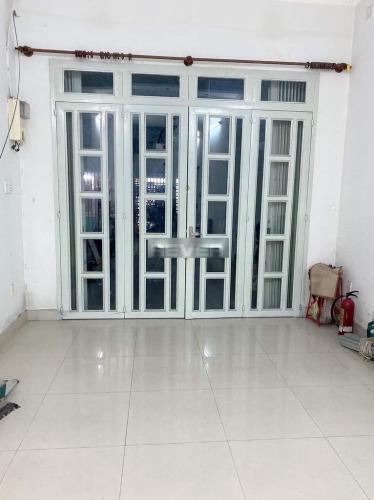 Phòng khách nhà phố Huyện Bình Chánh  Nhà phố khu dân cư Bình Hưng, thuận tiện mở văn phòng