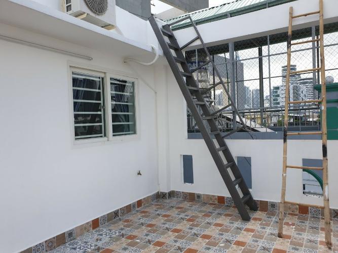 sân thượng nhà phố Bình Thạnh Bán nhà hẻm Nguyễn Cửu Vân, kèm nội thất đầy đủ, sổ hồng chính chủ.