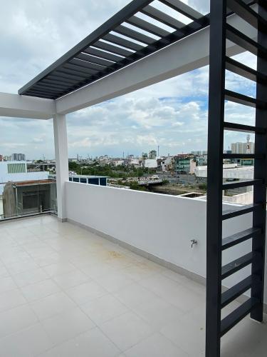Sân thượng nhà phố Phạm Văn Chí, Quận 6 Nhà phố hướng Đông Nam, hẻm 6m cách mặt tiền 3 căn nhà.