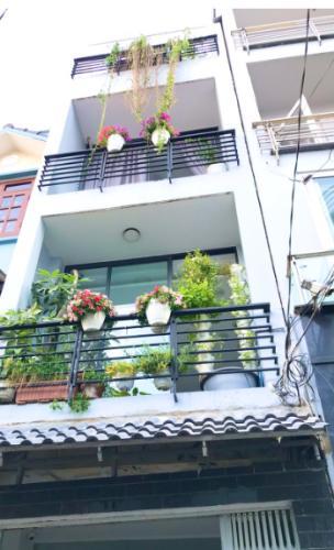 Nhà phố Quận Bình Thạnh hướng Bắc thoáng mát, sổ hồng riêng.