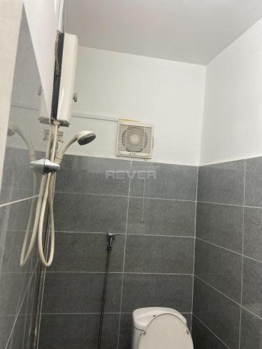 Phòng tắm căn hộ chung cư 2H Đinh Bộ Lĩnh Căn hộ chung cư 2H Đinh Bộ Lĩnh nội thất cơ bản, thiết kế kỹ lưỡng.