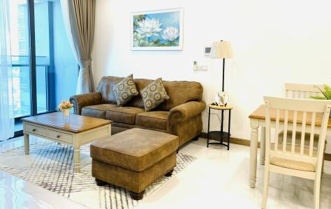 Căn hộ Sunwah Pearl tầng cao đón view sông thơ mông, đầy đủ nội thất.