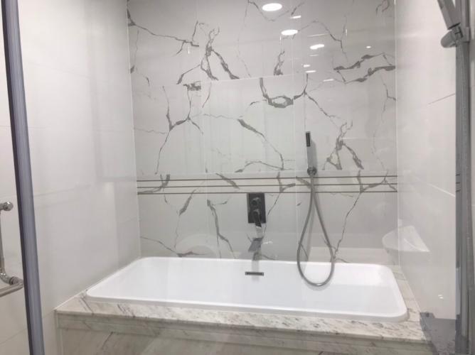 Phòng tắm căn hộ Sunwah Pearl Căn hộ tầng 22 Sunwah Pearl đầy đủ tiện nghi cao cấp, hướng Tây Nam.