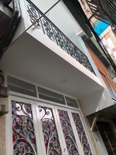 Nhà phố hướng Bắc, trước nhà hẻm nội bộ khép kín, yên tĩnh