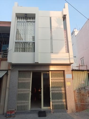 Mặt tiền nhà phố đường số 1, Bình Tân Nhà 1 trệt 1 lầu 1 lửng hướng Đông, hẻm đường nhựa rộng rãi.