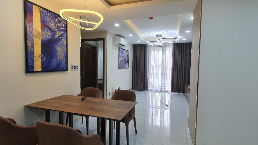Căn hộ Saigon South Residence tầng cao, đầy đủ nội thất tinh tế.