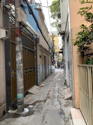 Hẻm nhà phố Nguyễn Kim, Quận 10 Nhà phố hẻm Nguyễn Kim nội thất cơ bản, sổ hồng riêng.
