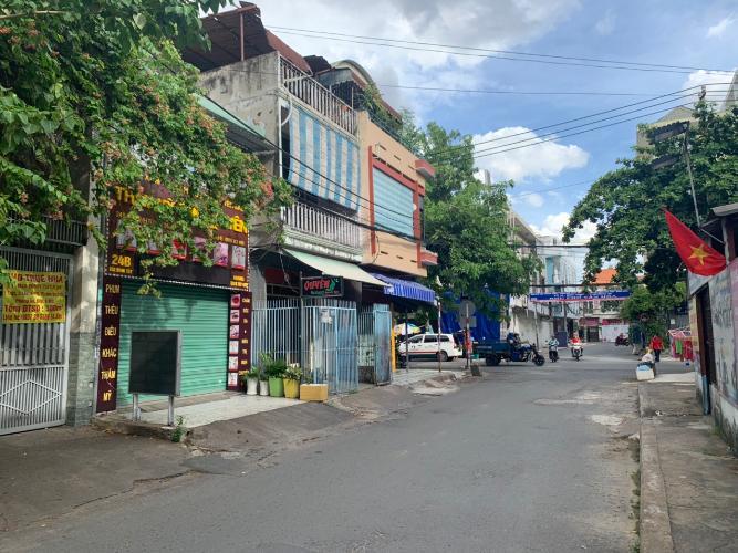 Đường trước nhà phố Quận Bình Thạnh Nhà mặt tiền đường Bùi Đình Túy, kết cấu 1 trệt 3 lầu, diện tích 75m2.