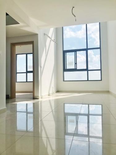 Căn hộ Celadon City tầng 15 view thành phố thoáng mát, nội thất cơ bản.