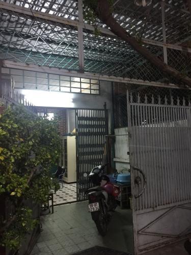 Bán nhà đường hẻm Tôn Thất Thuyết, diện tích đất 100.5m2, diện tích sàn 116.7m2, sổ hồng đầy đủ.