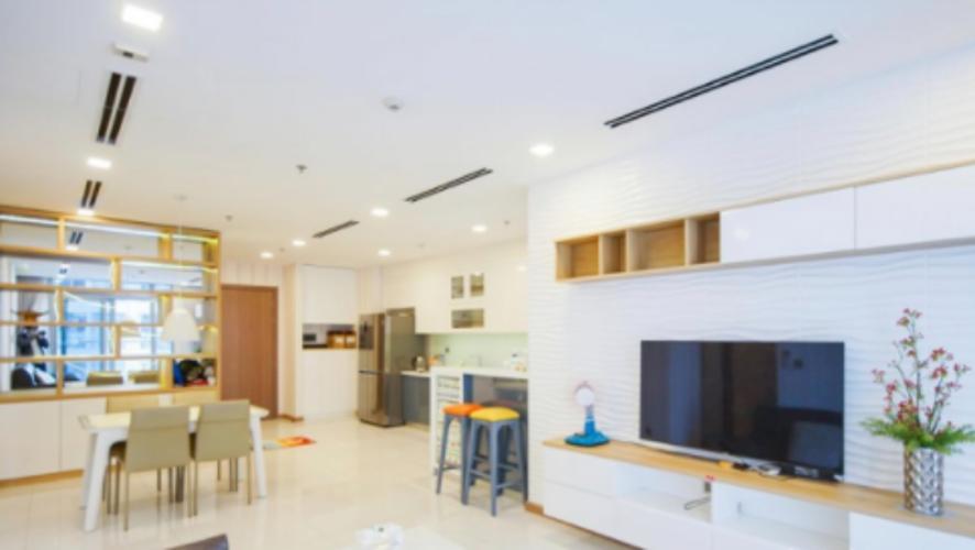 Phòng khách Vinhomes Central Park Căn hộ Vinhomes Central Park hướng Đông Nam, nội thất đầy đủ.