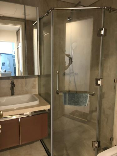 Toilet Vinhomes Golden River Căn hộ tầng 08 tháp The Luxury 6 Vinhomes Golden River đầy đủ nội thất