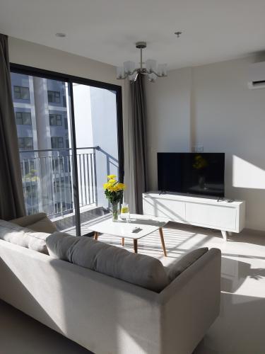 Căn hộ Vinhomes Grand Park tầng 11 cùng view thoáng mát, đầy đủ nội thất.