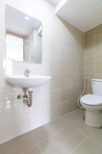 toilet căn hộ La Astoria quận 2 Căn hộ tầng thấp La Astoria có tầng lửng view sông thoáng mát.