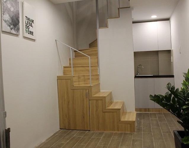 Phòng bếp nhà phố Quận 8 Nhà phố hẻm hướng Tây bàn giao nội thất cơ bản mới, pháp lý đầy đủ.